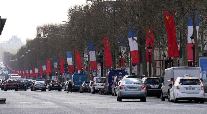 Les Champs-Elysées, à Paris, le 24 mars 2014. (MUSTAFA YALCIN / ANADOLU AGENCY / AFP)