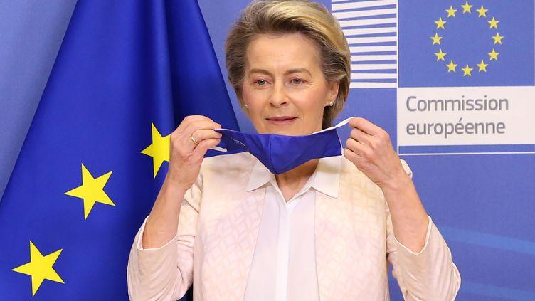 """La présidente de la Commission européenne Ursula Von Der Leyen (ici le 14 janvier 2021 à Bruxelles), lance un prix et un site internet pour un """"Nouveau Bauhaus européen"""". (DURSUN AYDEMIR / HANS LUCAS / AFP)"""