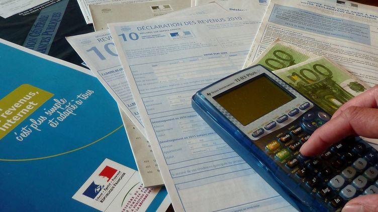 Un quart (25%) des Français avouent que s'ils en avaient l'occasion, ils seraient tentés de frauder le fisc en omettant de déclarer une partie de leurs revenus. (  MAXPPP)