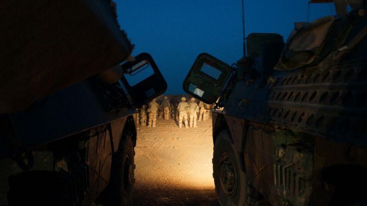 Des soldats français de l'opération Barkhane, ci-contre au camp de Ménaka au Mali, en mai 2018. (ERIC AUDRA / RADIO FRANCE)