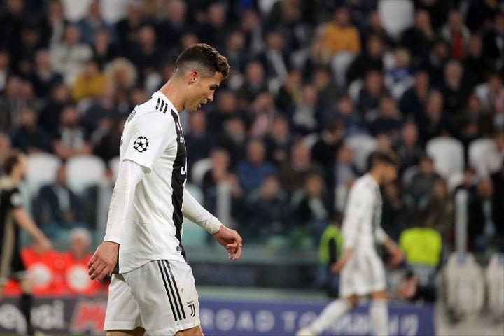 Cristiano Ronaldo lors de la défaite de son équipe face à l'Ajax Amsterdam lors du quart de finale retour de la Ligue des champions en 2019 (GIUSEPPE COTTINI / NURPHOTO)