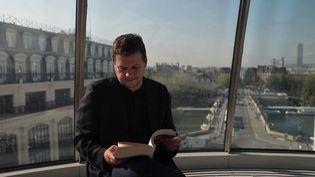 """Littérature : Guillaume Musso, auteur prolifique et """"passeur de culture"""" (FRANCE 2)"""