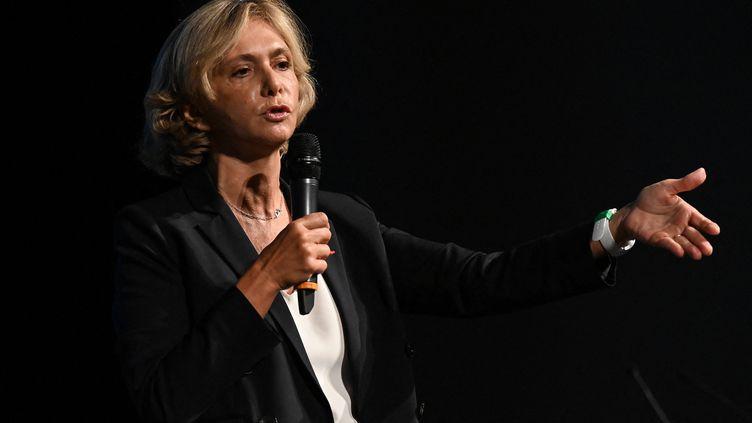 Valérie Pécresse, candidate à l'élection présidentielle du parti Soyons libres,prend la parole lors des Journées parlementaires des Républicains, le 9 septembre 2021 à Nîmes. (PASCAL GUYOT / AFP)