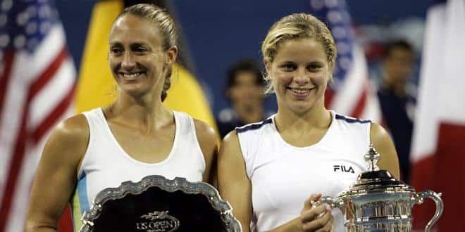 Mary Pierce et Kim Clijsters lors de la remises des trophées à l'US Open 2005