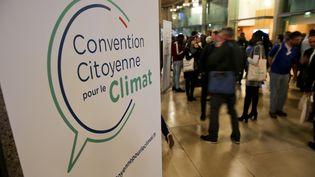 La Convention citoyenne pour le climat lors d'un échange avec Nicolas Hulot sur le thème de l'écologie, le 18 novembre 2019 à Lille. (MAXPPP)