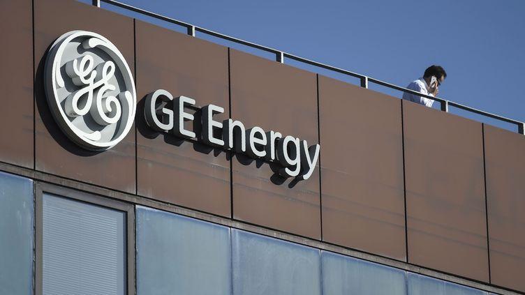 L'enseigne de General Electric à Belfort. (SEBASTIEN BOZON / AFP)