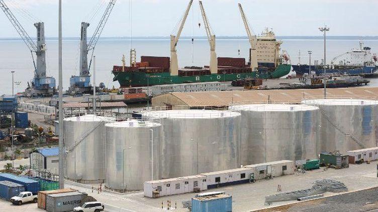 Construit en 18 mois pour un coût d'environ 300 millions de dollars, le port international d'Owendo, situé à la périphérie sud-est de la capitale Libreville, principale porte d'entrée du Gabon sur la côte atlantique. (STEVE JORDAN / AFP)