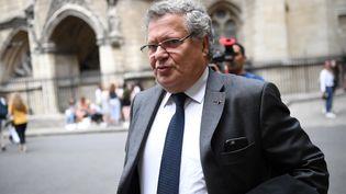 Jean Veil, avocat de Marc Joulaud dans l'affaire Fillon, le 18 juin 2018. (ERIC FEFERBERG / AFP)