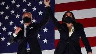 Joe Biden et sa colistière Kamala Harris, lors d'un meeting àWilmington, dans le Delaware, le 20 août 2020. (OLIVIER DOULIERY / AFP)