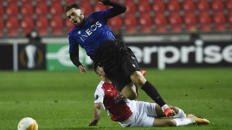 Buteur, Amine Gouiri n'aura pas suffi aux Aiglons face au Slavia. (MICHAL CIZEK / AFP)