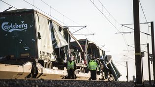 Le train endommagé par un accident sur le pont du Grand Belt à Nyborg (Danemark), le 2 janvier 2019. (TIM K. JENSEN / RITZAU SCANPIX / AFP)