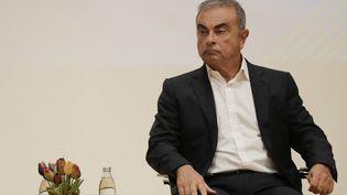 L'ancien patron de Renault Carlos Ghosn dans une université lors d'une conférence de presse au Liban, le 29 septembre. (ANWAR AMRO / AFP)