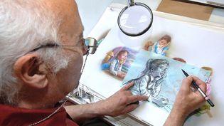 Marcel Marlier, dessinateur de la série Martine dans son atelier le 9 octobre 2007. (MAXPPP)