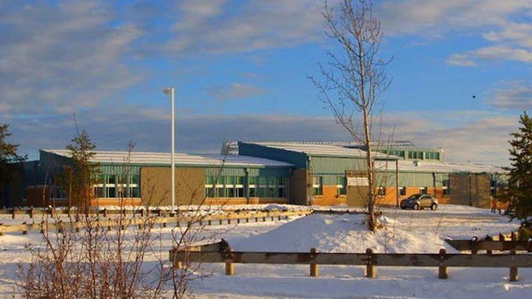 (L'ensemble scolaire de La Loche, dans le nord de la province de Saskatchewa © Reuters)