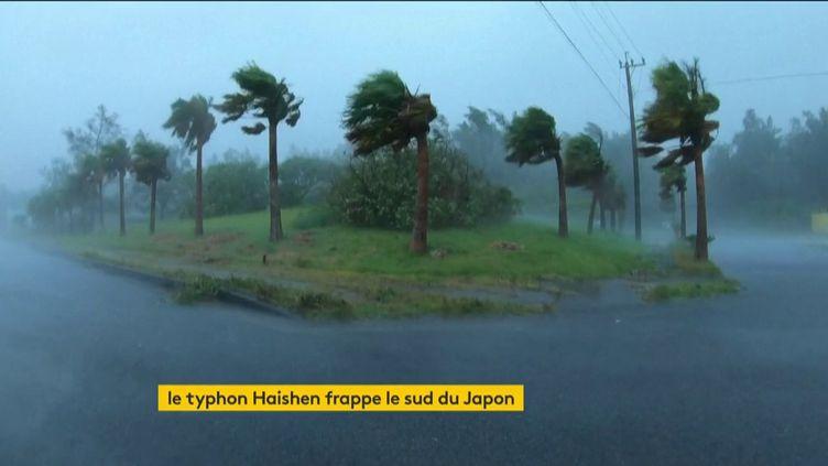 Le typhon Haishen qui frappe le Japon (FRANCEINFO)