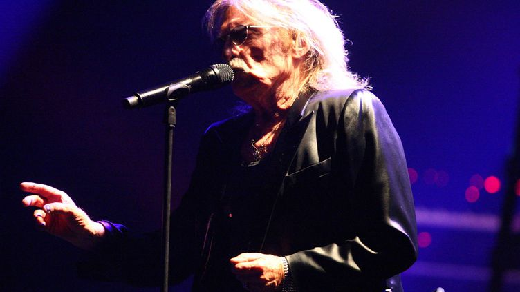 Le chanteur Christophe en concert (VINCENT VOEGTLIN / MAXPPP)