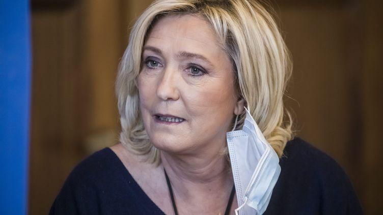 """Marine Le Pen, la présidente du Rassemblement national, veut permettre aux Français de """"mieux la connaître"""". (VINCENT ISORE / MAXPPP)"""