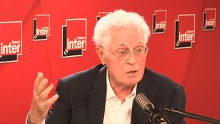 L'ancien Premier ministre socialiste Lionel Jospin au micro de France Inter le jeudi 3 septembre. (RADIO FRANCE)