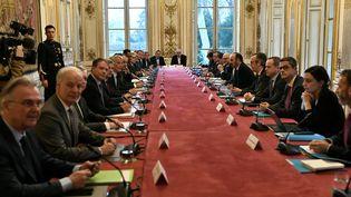 Le gouvernement réunit syndicats et patronat à Matignon pour des discussions sur la réforme des retraites, jeudi 13 février 2020. (STEPHANE DE SAKUTIN / AFP)