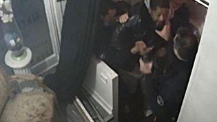 Capture d'écran d'images de vidéosurveillance montrant le tabassage de Michel Zecler, le 21 novembre 2020, dans son studio à Paris. (MICHEL ZECLER / GS GROUP / AFP)
