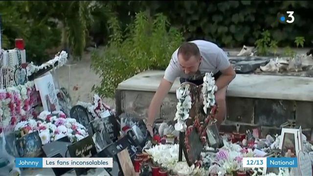 Johnny Hallyday : des fans sur sa tombe à Saint-Barth