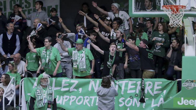 Le public de Nanterre au Palais des Sports Maurice-Thorez lors de la réception de la SIG Strasbourg, en Jeep Elite, le 18 janvier 2020. (ANN-DEE LAMOUR / ANN-DEE LAMOUR)