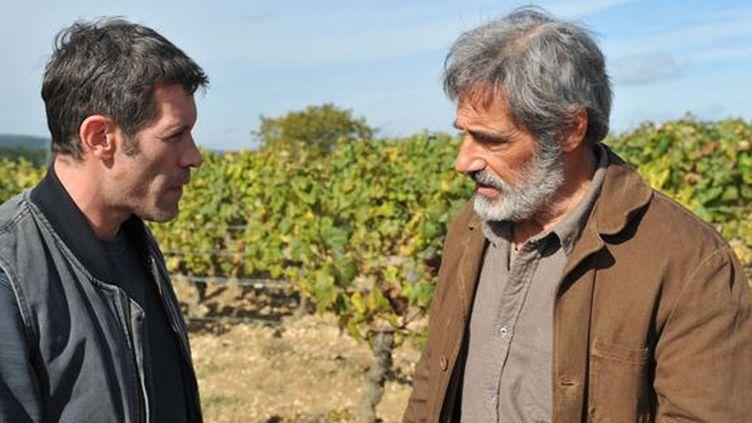 Charlie (Jalil Lespert) et François Maréchal (Gérard Lanvin), un père et son fils qui vont devoir s'entendre pour sauver l'exploitation familiale.  (SND)