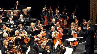 L'Orchestre national de Lille dirigé parJean-Claude Casadesus  (PHILIPPE HUGUEN / AFP )