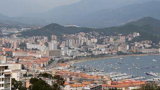 Ajaccio est touchée depuis plusieurs jours par un épisode de pollution aux particules fines. (PASCAL POCHARD-CASABIANCA / AFP)