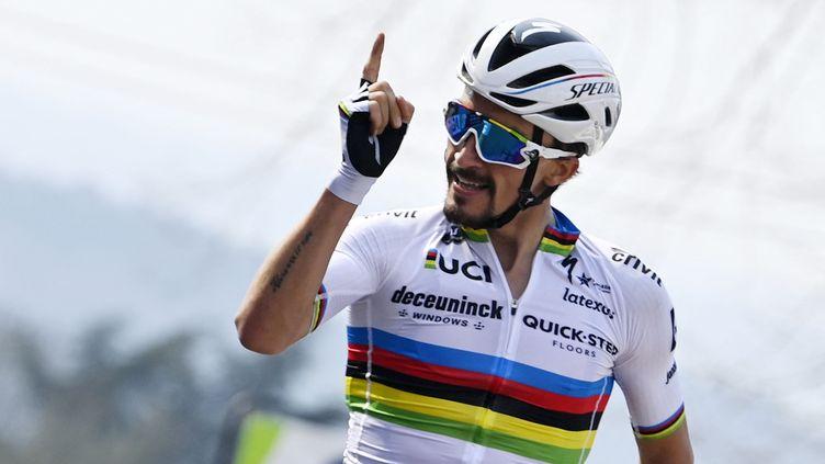Julian Alaphilippe, vainqueur pour la 3e fois de la Flèche Wallonne, le 21 avril 2021. (ERIC LALMAND / BELGA MAG)