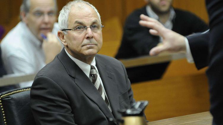 Peter Madoff, le frère de Bernard Madoff, au tribunal de New York (Etats-Unis), le 3 avril 2009. (LOUIS LANZANO / AP / SIPA / AP)