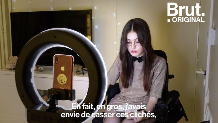 VIDEO. Sur TikTok, elle démonte les clichés sur la maladie de Charcot-Marie-Tooth (BRUT)