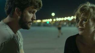 """Cinéma : """"Une vie ailleurs"""" déjoue les clichés (FRANCE 2)"""