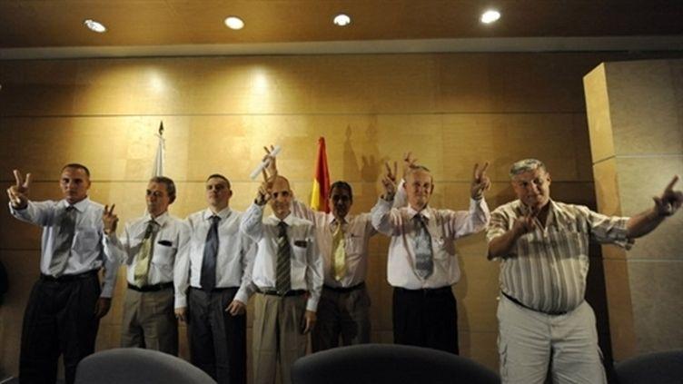 Sept prisonniers politiques cubains sont arrivés à Madrid (13 juillet 2010) (AFP / Dominique Faget)
