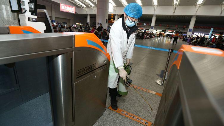 Les restrictions de circulation s'étendent en Chine dans l'espoir d'enrayer l'épidémie. (HU GUOLIN / MAXPPP)