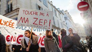 Une manifestation du collectif Touche pas à ma ZEP (Zone d'Education Prioritaire),le 5 janvier 2017 à Paris. (MAXPPP)