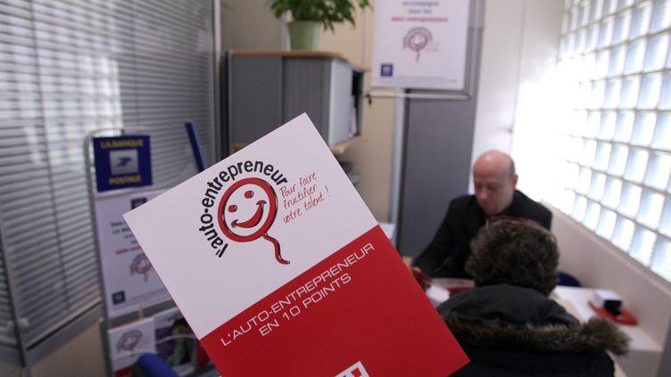 Le statut d'auto-entrepreneur permet depuis 2009 aux salariés, chômeurs, retraités ou étudiants de développer une activité à titre principal ou complémentaire. (CHRISTOPHE BERTOLIN /  MAXPPP)