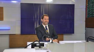 Christophe Castaner, porte-parole du gouvernement, secrétaire d'Etat auprès du Premier ministre, chargé des relations avec le Parlement. (RADIO FRANCE / JEAN-CHRISTOPHE BOURDILLAT)