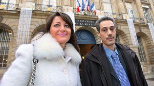 Omar Raddad et son avocateSylvie Noachovitch en 2008. (MEHDI FEDOUACH / AFP)