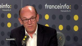 Daniel Fasquelle, le député Les Républicains de la 4e circonscription du Pas-de-Calais, dans le studio de franceinfo mardi 8 mai.   (FRANCEINFO)