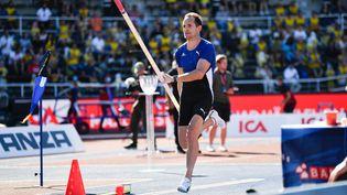 Le perchiste français et champion olympique à Londres en 2012, Renaud Lavillenie, ici à l'occasion du meeting de Stockholm le 4 juillet 2021. (THOMAS WINDESTAM / AFP)
