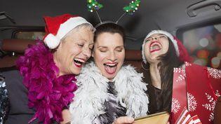 Une étude américaine montre qu'environ 20% des sommes dépensées pour des cadeaux le sont pour des présents ratés. (BETSIE VAN DE MEER / GETTY IMAGES)