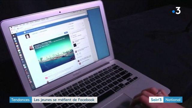 Facebook boudé par les jeunes