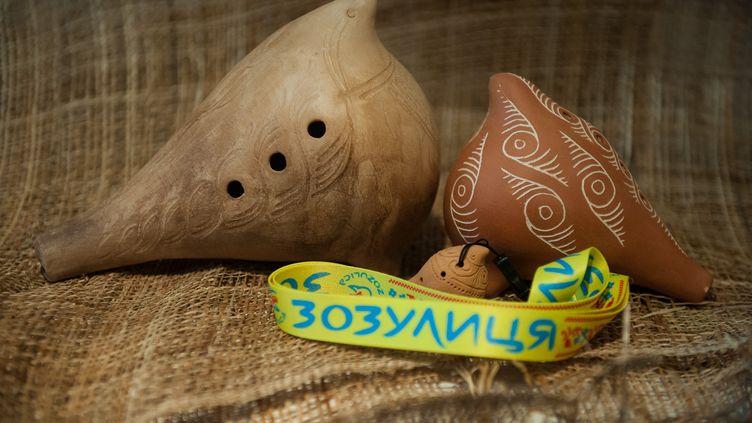 Une zozulica, la cousine éloignée de la vuvuzela sud-africaine. (ALEXEI FURMAN / RIA NOVOSTI / AFP)