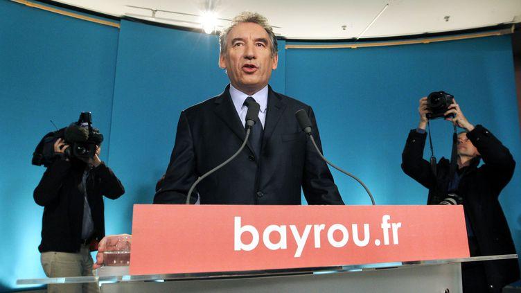 François Bayrou a annoncéle 3 mai 2012 qu'il voterait pour François Hollande, à titre personnel. (FRANCOIS GUILLOT / AFP)