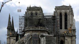Les travaux de sauvegarde de Notre-Dame de Paris, après l'incendie qui a ravagé la cathédrale. (BERTRAND GUAY / AFP)