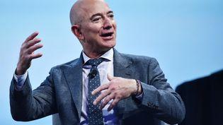 Le fondateur d'Amazon et de Blue Origin, Jeff Bezos, lors du 70e Congrès international d'astronautique, à Washington, le 22 octobre 2019. (MANDEL NGAN / AFP)