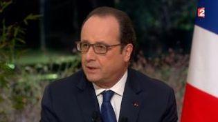 Capture d'écran montrant FrançoisHollande interrogépar les journalistes de France 2 après le remaniement, le 11 février 2016. (FRANCETV INFO)