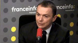 Le secrétaire d'État Olivier Dussopt, jeudi 22 mars sur franceinfo. (RADIO FRANCE)