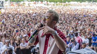Le youtubeur Squeezie lors du festival Solidays, à l'hippodrome de Longchamp à Paris le 23 juin 2019 (DENIS TRASFI / MAXPPP)